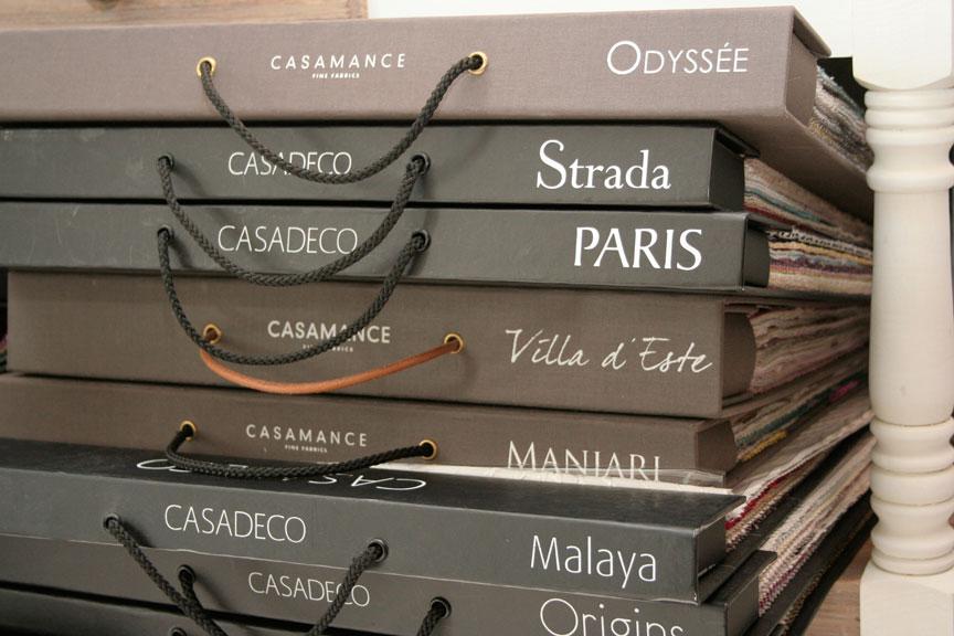 Detalle de catalogos del estudio de decoracion en Cordoba, La Petite Maison
